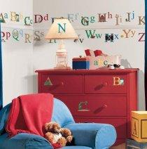 Pokój dziecka, literki dekoracyjne